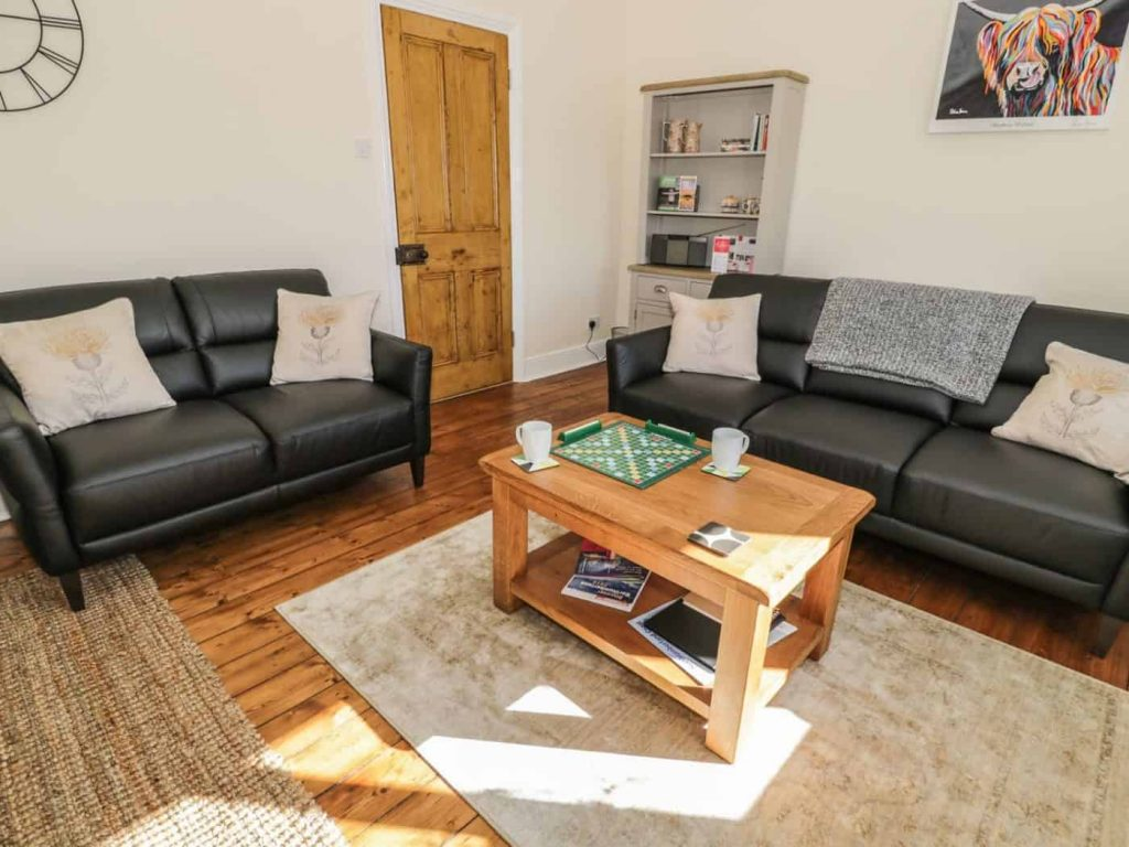 Karen's Kottages - Stanegate Cottage - Northumberland - dog friendly - living room 2